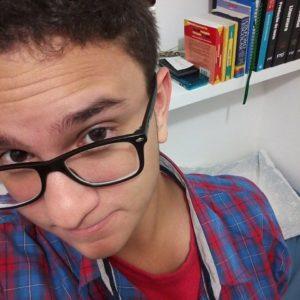 Guilherme dos Anjos é fã de quadrinhos, cinema e cultura pop em geral e já gravou alguns videos para o youtube comentando sobre estes assuntos.